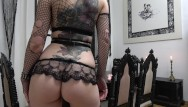 Noires sex Slutty goth rides and sucks her dildo...