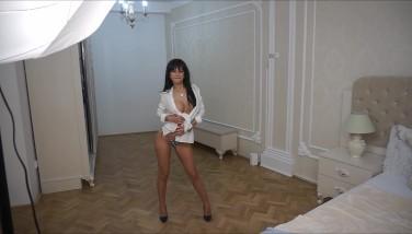 Anisyia Livejasmin modeling bikini and showing off amazing body