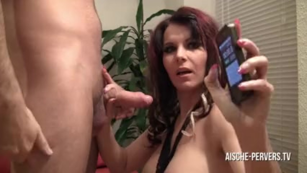 Chocolate babe pussy tease and play with toys