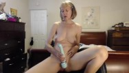 Mature adults sport league - Webcam sexy sports bra cougar