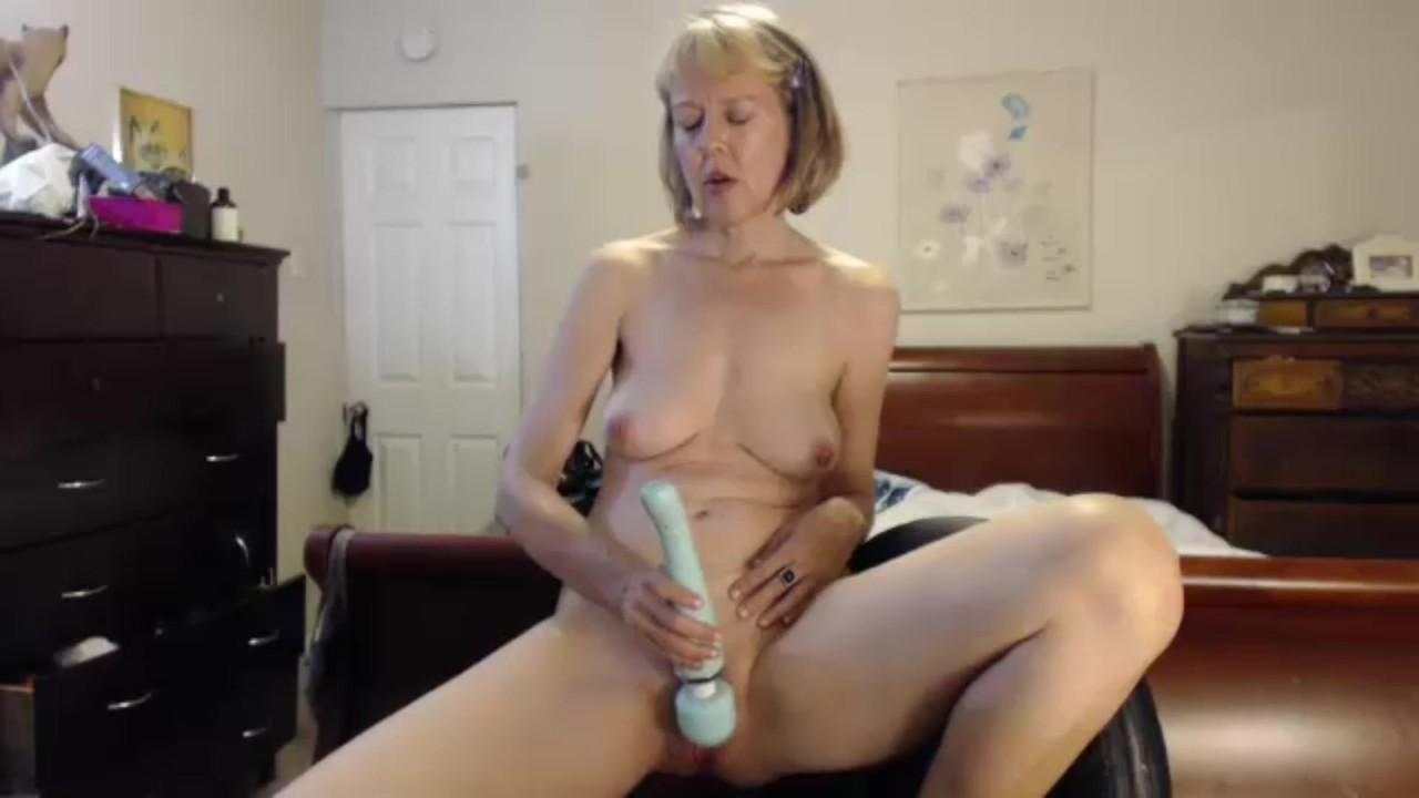 Webcam Sexy Sports Bra Cougar - Redtube-2723