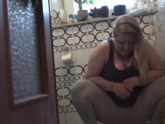 Pissing In Leggins - Sexyellie