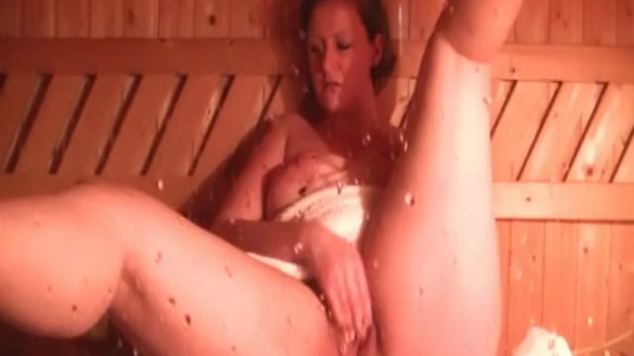Intense creampie in reverse cowgirl style