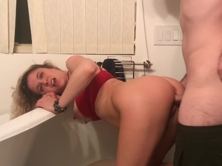 Amateur girlfriend fucked in the bathroom - Erin Electra