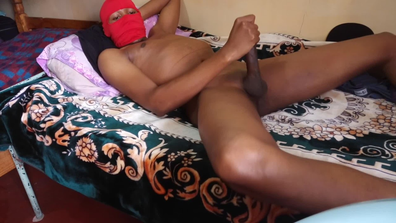 Caught By Hidden Camera Having A Loud Moaning Orgasm -9569