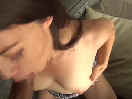 Jeune Salope baise avec son beau père qui jouie son sperme dans sa chatte