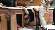 MILF stuck in the kitchen fucked by neighbor (clip)