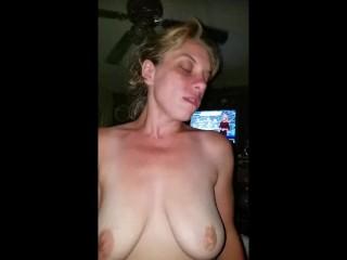 Her moms livingroom