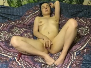 Milf Treats Herself With A Shaking Orgasm