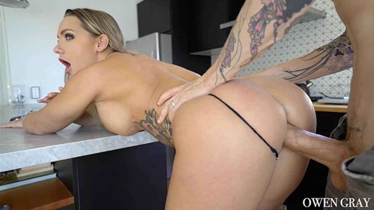 nude sex james bond girls