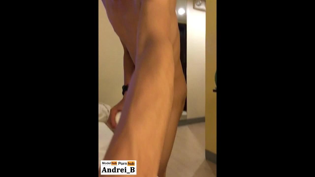 Филиппинский мальчик эскорт играть с его секс игрушки затем кончает дважды