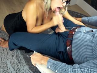 Sexy Babe Deep Suck Huge Cock!