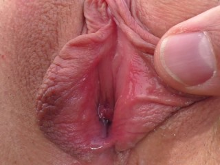 Closeup MILF Creampie – Juicy Pussy Fingered, Licked, Fucked and Cummed In