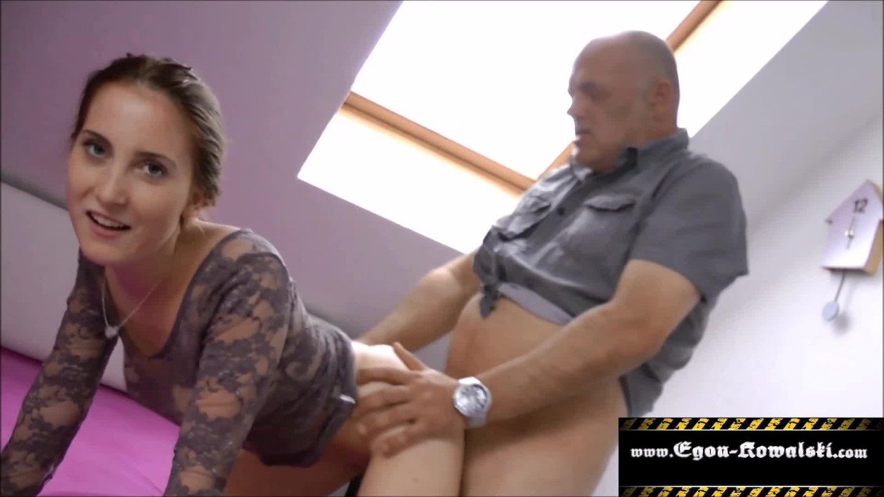 Femdom German Piss Slave