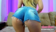 Xxx sexy strippers - Blonde wiggling her ass on webcam