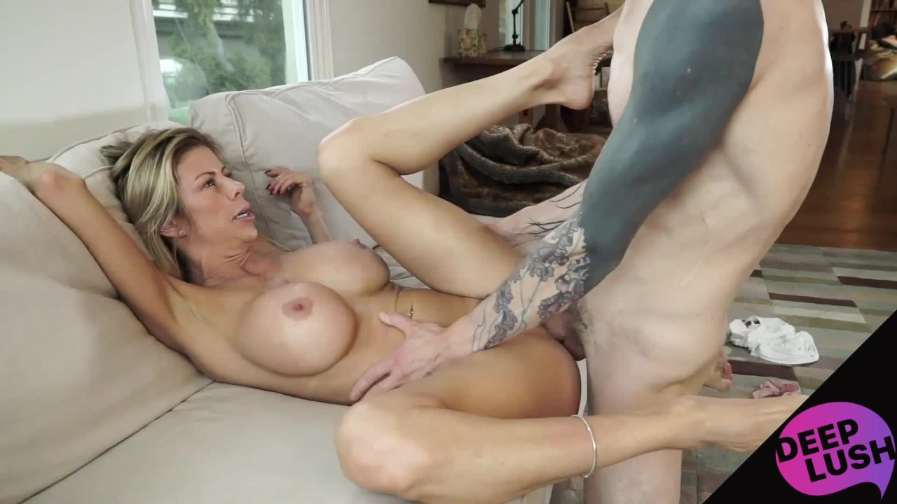 mom-hot-orgasm-video