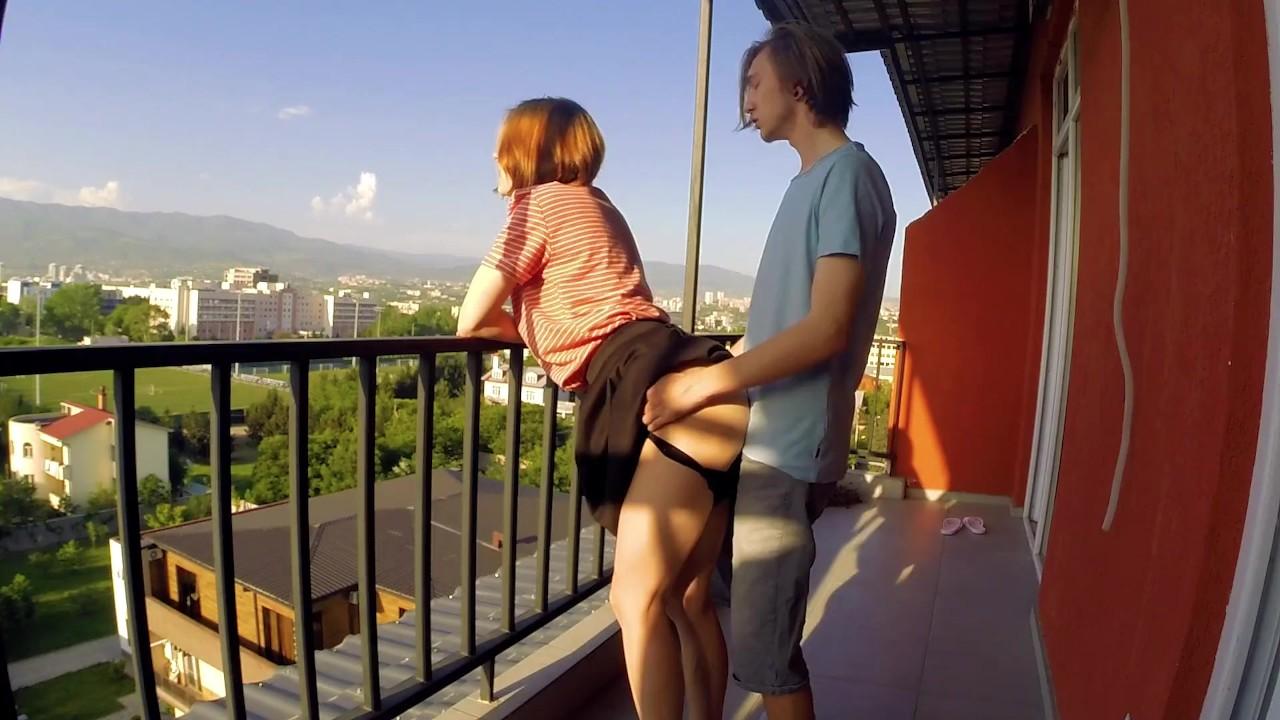 сутки видео о сексе на балконе если