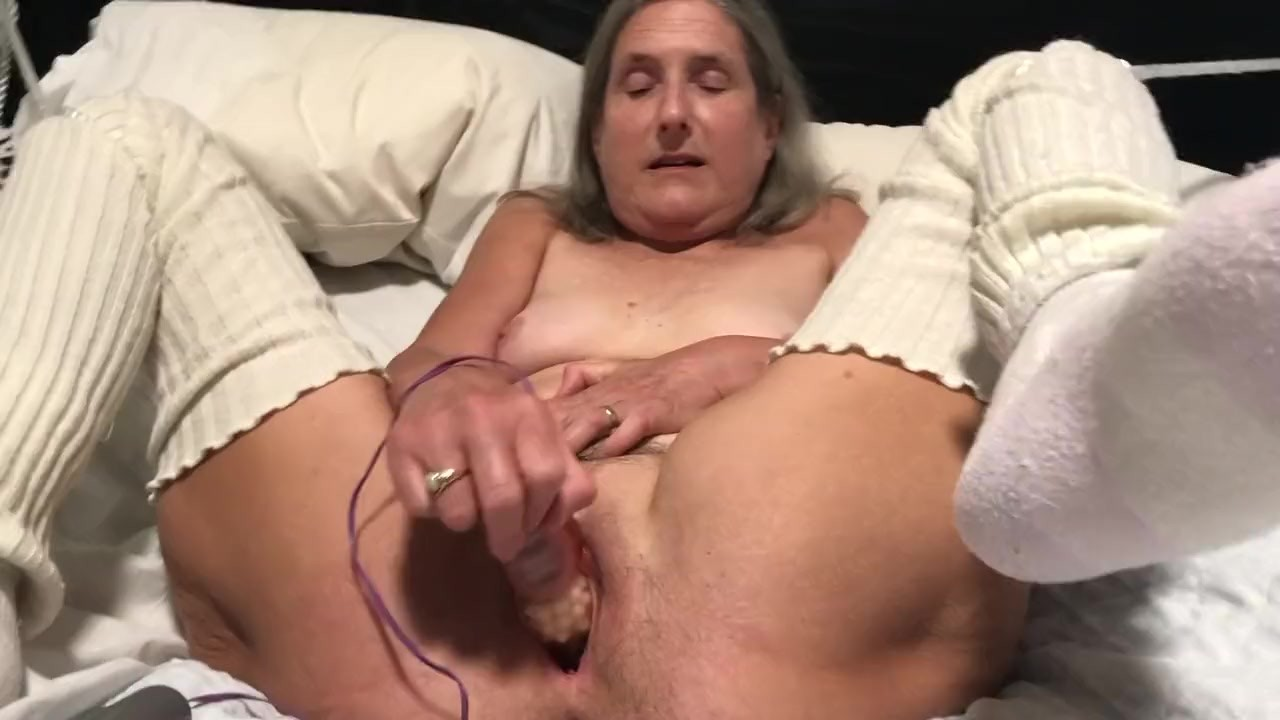 Redtube granny orgasm, girlfriend videos college blowjob