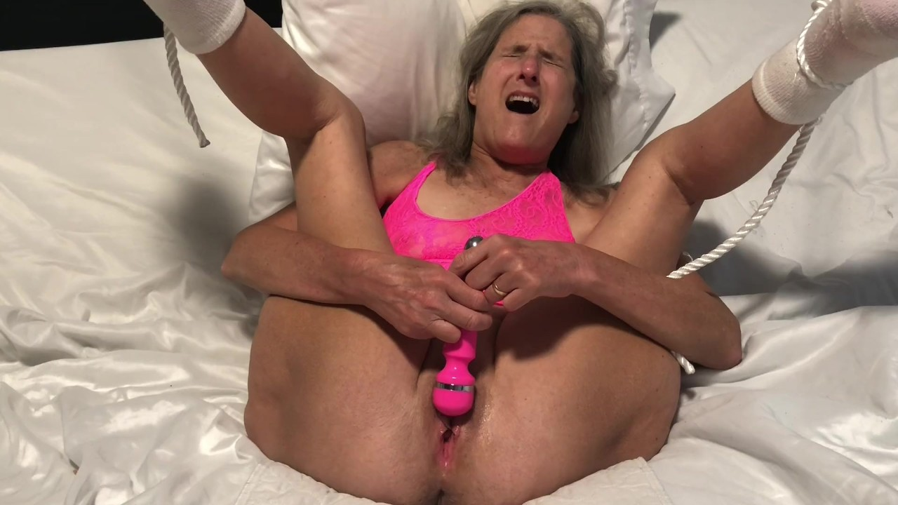 Squeeze multiple orgasm — photo 1