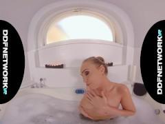 Russian Vr Hottie Liza Billberry Provides Finest Sensuous Massage
