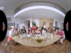 Reality Paramours - Dishing Out Enjoyment With Texas Patti - Voyeur