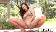 Womenof country music nude pics Taylor vixen gets a little country