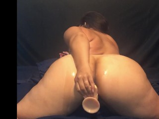 Big Samoan Booty Playing with her 8.5″ Dildo Toy