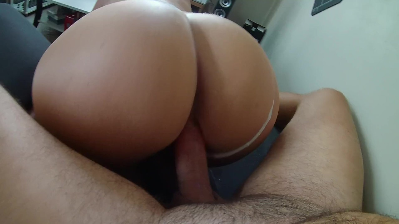 Best POV of a french milf who gets fucked on the sofa!