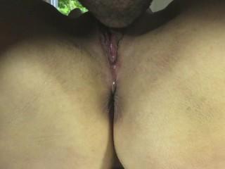 PUSSY EATING CLOSE UP: pulsating orgasm