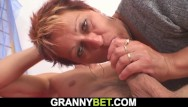 Sex old woman sex - He pounds hot mature woman on the floor