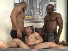 Interracial Ebony Threesome - MenOver30