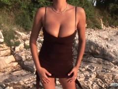 Hot Stunner Buttfuck Wank On The Beach