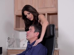 Jaclyn Taylor's Magnificent Cougar Bra-stuffers Dance During Torrid Strenuous Tough Providing It To