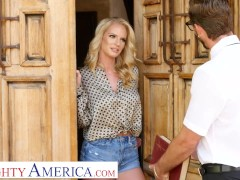 Naughty The Us - Rachael Cavalli Plays With A Son's Supreme Friend