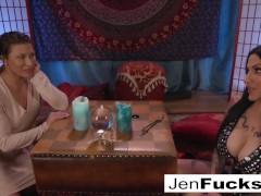 Milf Jen Puts Ariel In A Lesbo Trance