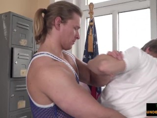 massage jock coaxes cumshot from sexy twink