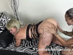 Lesbians Ruby Octroi And Ashley Luvbug Tonguing Super-fucking-hot Butt
