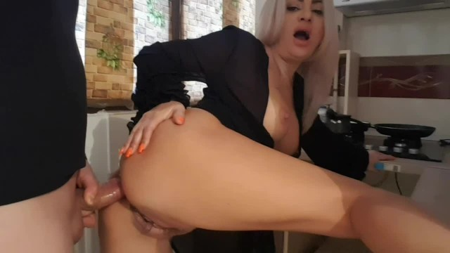 Crazy reaction when Stepson see Step mom s ass- Anal sex
