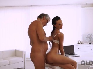 old4k. whore liliane gives old man her hot body