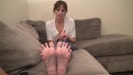 Milf foot soles Reverse footjob i want u to cum on my feet and soles