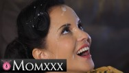 Vintage guitars brand Momxxx guitar tutor gives horny milf jennifer mendez big facial