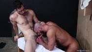 Why men go gay in la Hairy older men go bareback in locker room - menover30