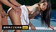 Ginas pussy Brazzers - small tit athletic gina valentina gets fucked outdoors