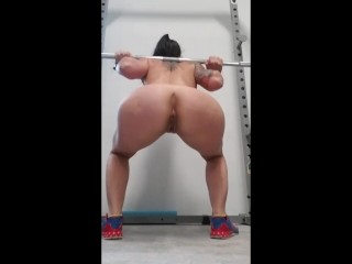 Fit Milf squatting in the gym naked. Powerlifting Motivation, lets go!
