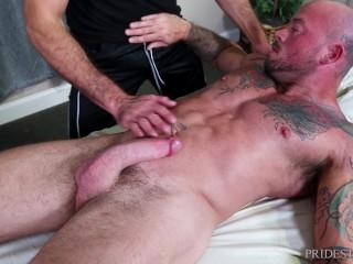 MenOver30 – Sean Duran Gets A Full Body Massage