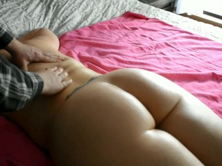 Bubble butt milf gets nude massage for the neighbors to see