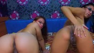 Amateur seks Naughty amateur babes both riding the same dildo doggystyle