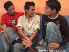 Latin Twinks Providing It To Threesome