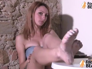 Tasty Barefoot Sexy Redhead Puts Yogurt Cum On Her Feet