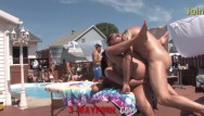 Nude milfs by the pool 3-way porn - bgg trio outdoor pool fuck